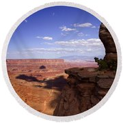 Majestic Views - Canyonlands Round Beach Towel
