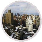 Manhattan View On A Winter Day Round Beach Towel