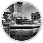 Mckinley Memorial In Black And White Round Beach Towel