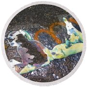 Melted Pin Up Girl Round Beach Towel