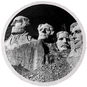 Men Working On Mt. Rushmore Round Beach Towel