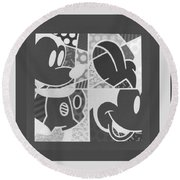 Mickey In Negative Black And White Round Beach Towel
