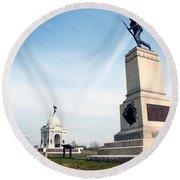 Minnesota Monument At Gettysburg Round Beach Towel