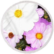 Mixed Pink And White Cosmos Round Beach Towel