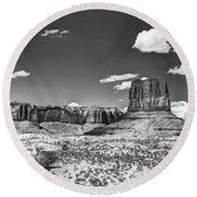 Monument Valley In Monochrome  Round Beach Towel