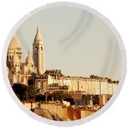 Sacre Coeur In A Summer Morning Round Beach Towel