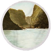 Morning Light On The Pacific Round Beach Towel