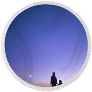 Mother And Child Stargazing, British Round Beach Towel