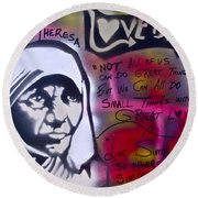 Mother Theresa Living Simply Round Beach Towel