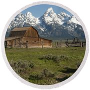 Moulton Barn - Grand Tetons Round Beach Towel