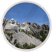 Mount Rushmore Full View Round Beach Towel