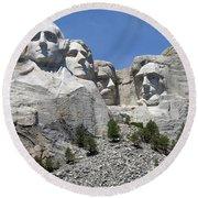 Mount Rushmore Vertical Round Beach Towel