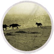 Mustangs Round Beach Towel