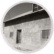 New Mexico Series - Adobe House In Truchas Round Beach Towel