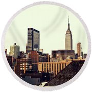 New York City Rooftops And The Empire State Building Round Beach Towel