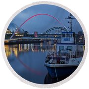 Newcastle Quayside At Night Round Beach Towel