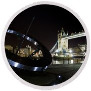 Night View Of The Thames Riverbank Round Beach Towel
