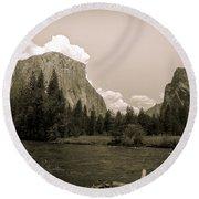 Nostalgic Yosemite Valley Round Beach Towel