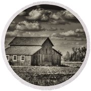 Old Barn After The Storm Black And White Round Beach Towel