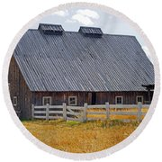 Old Barn And Fence Round Beach Towel