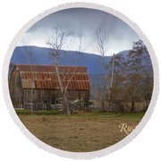 Old Barn In Southern Oregon With Text Round Beach Towel