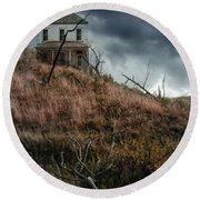 Old Farmhouse With Stormy Sky Round Beach Towel