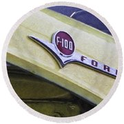 Old Ford Pick-up Round Beach Towel