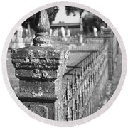 Old Graveyard Fence In Black And White Round Beach Towel