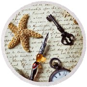 Old Letter With Pen And Starfish Round Beach Towel