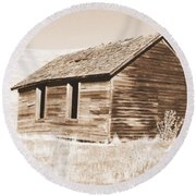 Old Ranch Hand Cabin Ll Round Beach Towel
