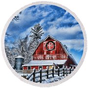 Old Red Barn Hdr Round Beach Towel