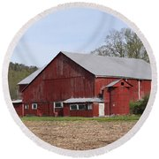 Old Red Barn With Short Silo Round Beach Towel