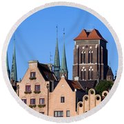 Old Town In Gdansk Round Beach Towel