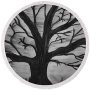 Old Tree With No Leaves Round Beach Towel