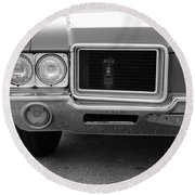 Olds C S In Black And White Round Beach Towel