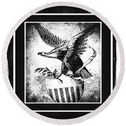 On Eagles Wings Bw Round Beach Towel