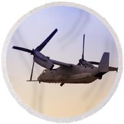 Osprey In Flight Iv Round Beach Towel