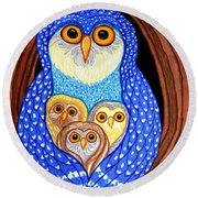 Owl And Owlettes Round Beach Towel