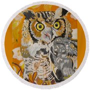 Owl In The Fall Round Beach Towel