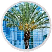 Palme Tree And Blue Building Round Beach Towel