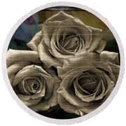 Paper Roses Art Round Beach Towel