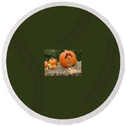 Party Pumpkin Round Beach Towel