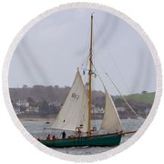 Passing St Mawes Round Beach Towel