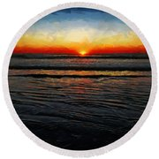 Peeking Over The Horizon Round Beach Towel