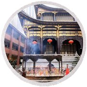 People At The Buddhist Temple Round Beach Towel