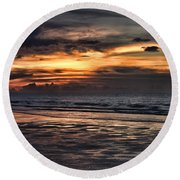 Photographing Sunsets Round Beach Towel