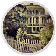 Picket Gate To Large House Round Beach Towel