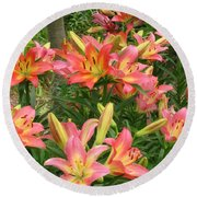 Pink And Yellow Daylilies Round Beach Towel