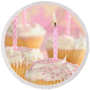 Pink Party Cupcakes Round Beach Towel