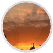 Pink Rays And Orange Skies Round Beach Towel